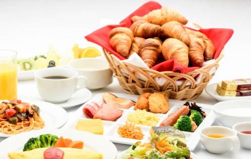バリエーション豊かな朝食ビュッフェ